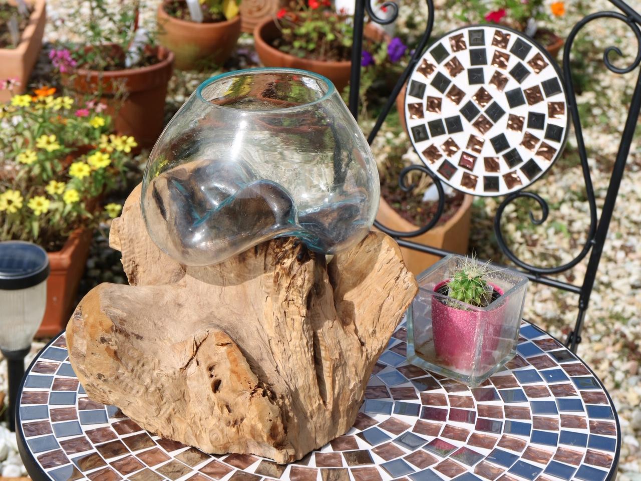 自然の流木と融合した流木ガラスベース♪