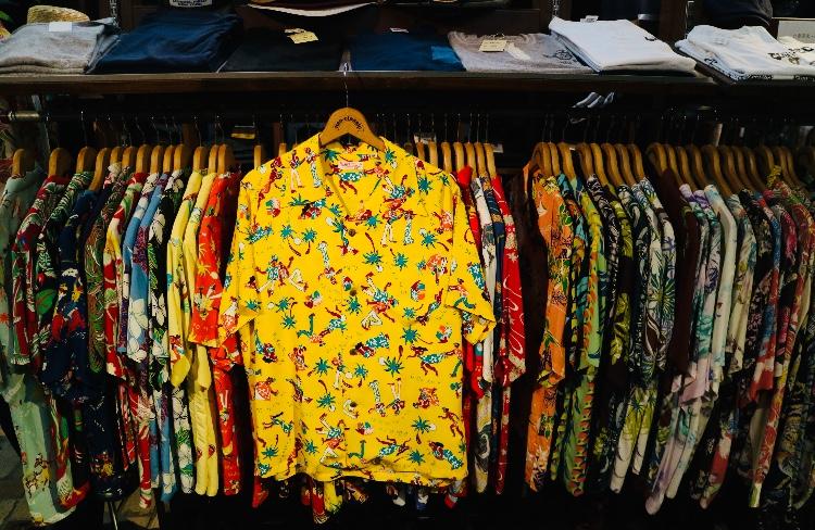 アロハシャツも色々ですね♪